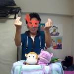 自室をスタジオに見立て『おかあさんといっしょ』を表現(4)